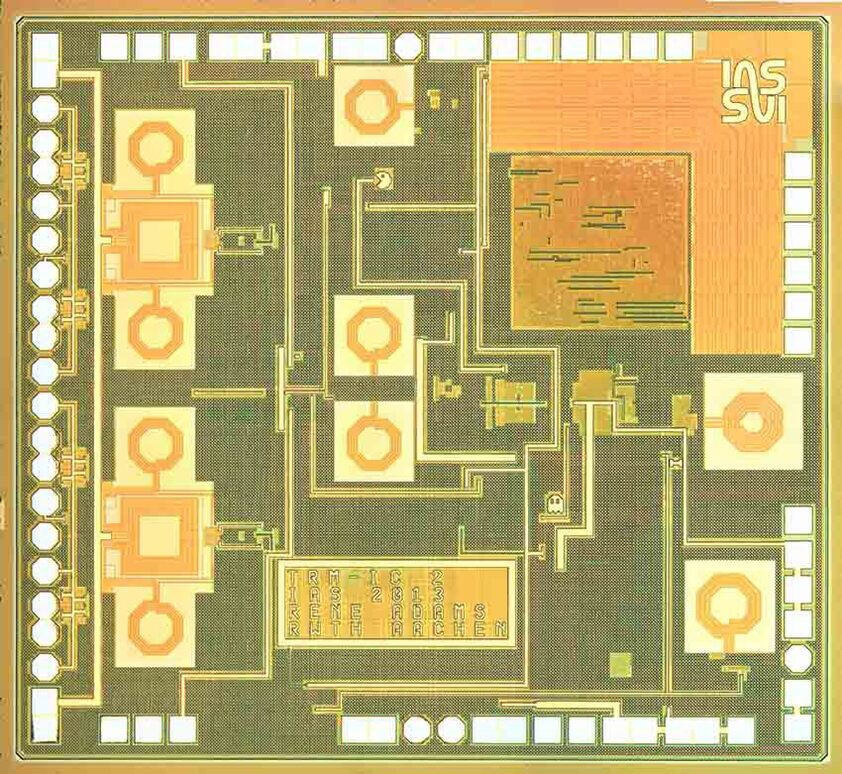 Analysis and Design of a Single Chip BiCMOS Solution for Maritime Phased Array Radar System